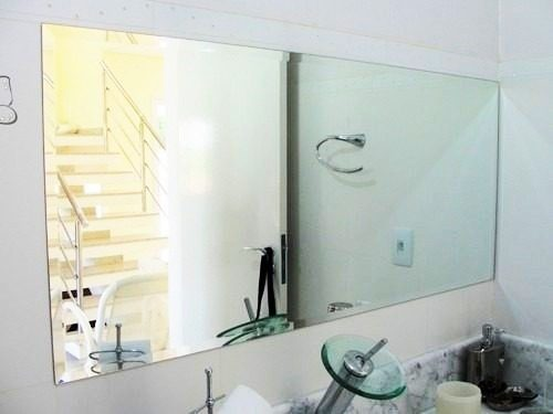 But When Should You Use the Faceted Bathroom Mirror?