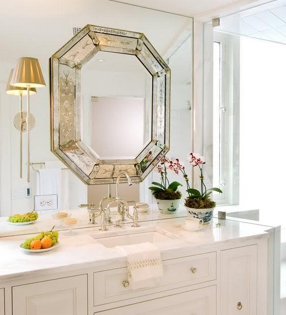 When Should You Use the Bathroom Mirror Noched?