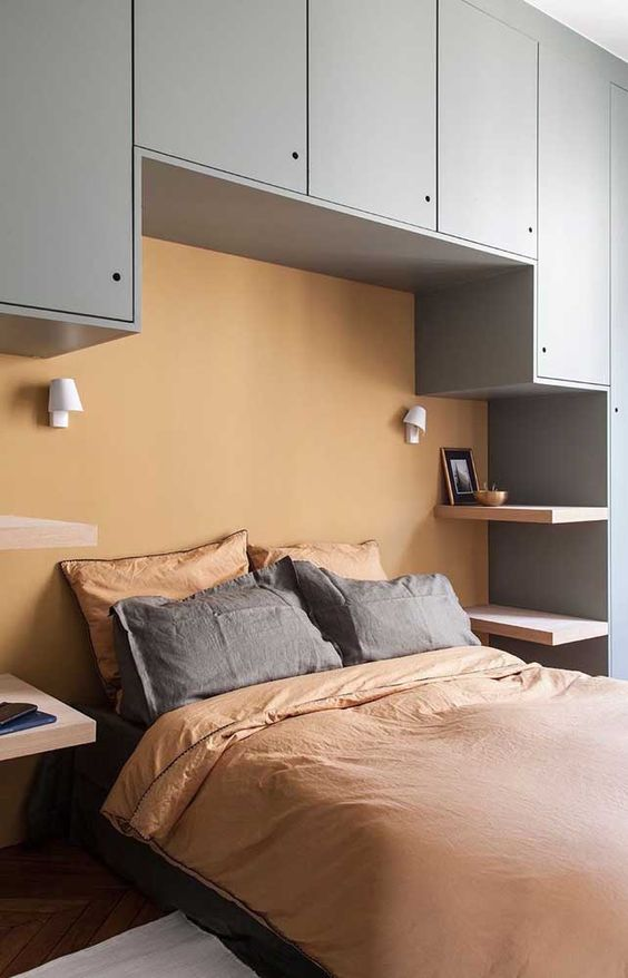 Bedroom Settings in small room tip1: Use the colors to your advantage