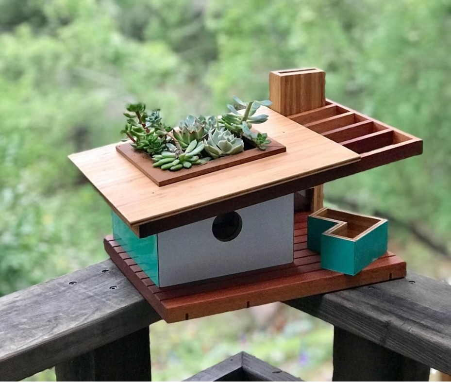 Birdhouse Design: A Touch of Modern Architecture