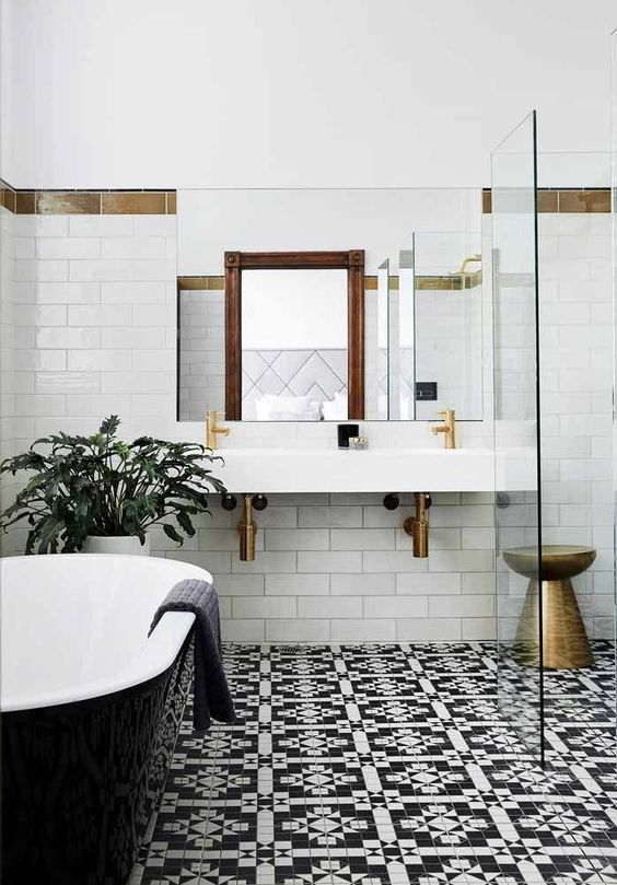 How To Decorate The Bathroom With Black And White