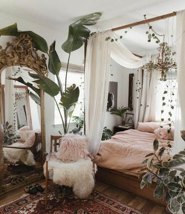 Rustic Decor With Canopies Beds