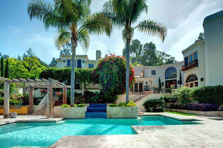 celebrity-homes-arnold