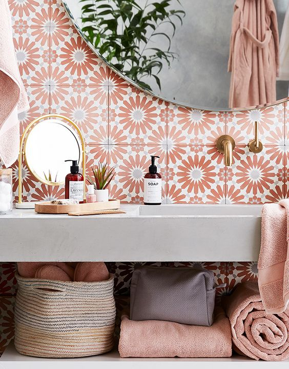 Coral Color For Vibrant And Warm Environments