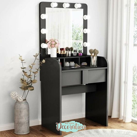 Creating a Decoration with Black