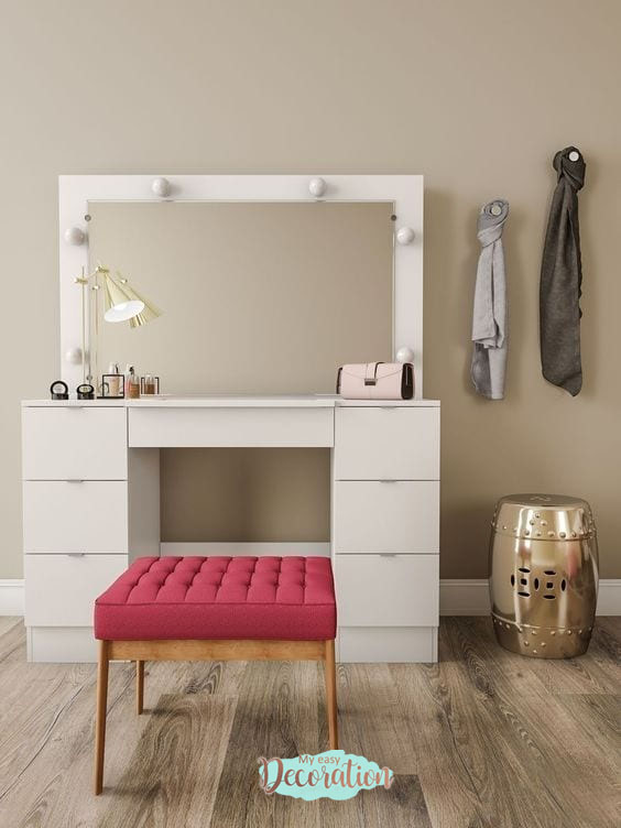 Dressers White Tips