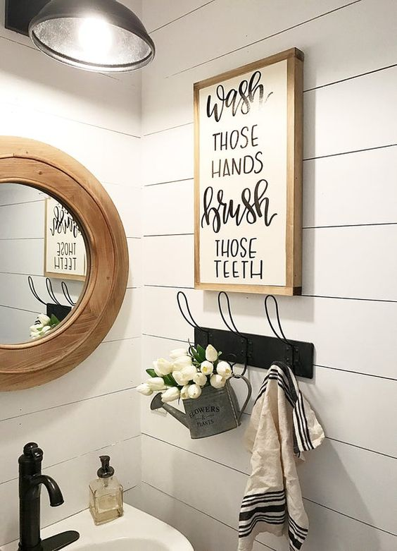 farmhouse-bathroom-vintage