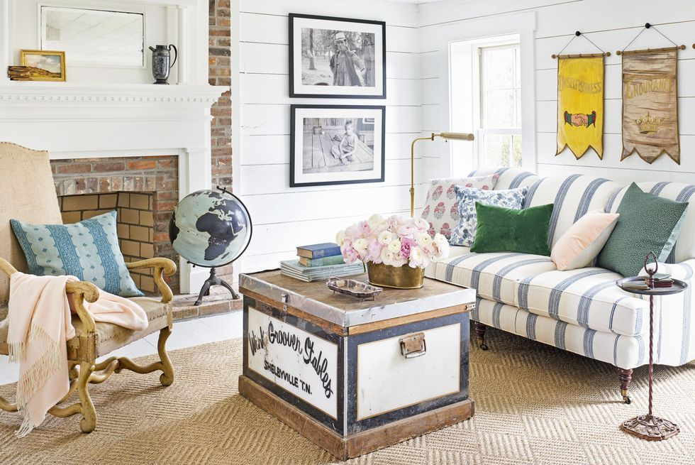 Colors to Decorate A Farmhouse