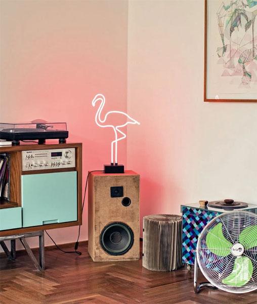 Flamingos as a Decoration Spotlight