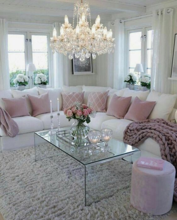 Home Decorating Styles In Classic Colors