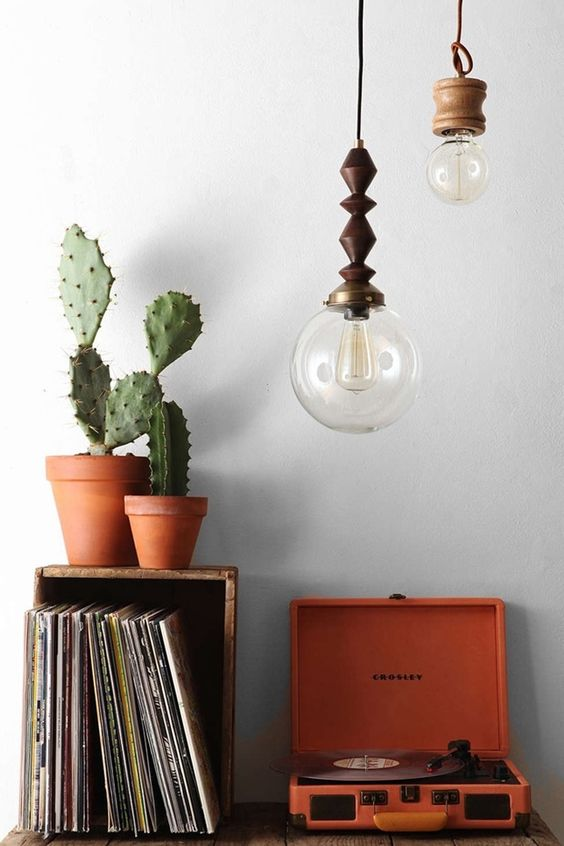 Home Decorating Styles in Retro Objects