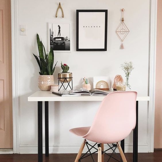 Decorating Objects That Attract Wealth In The Home Office