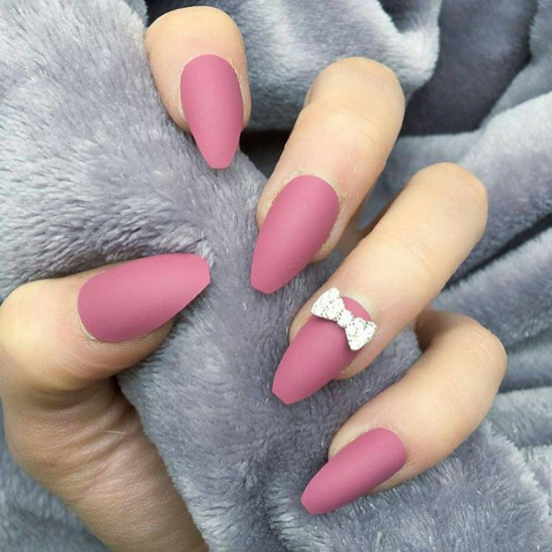 Simple Nail With Stones