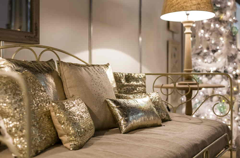 What Are The Advantages Of Pillow Decoration?